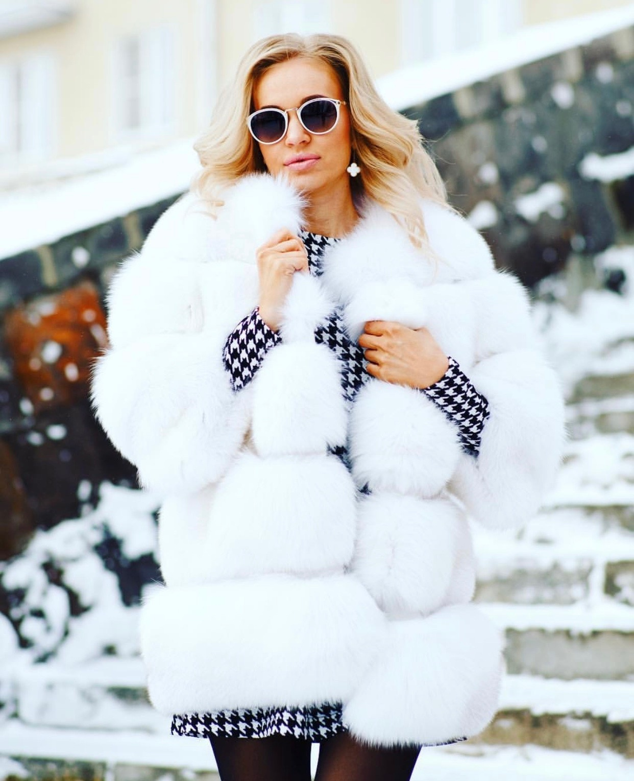 Шубы из арктической лисы Белая шуба из арктической лисы