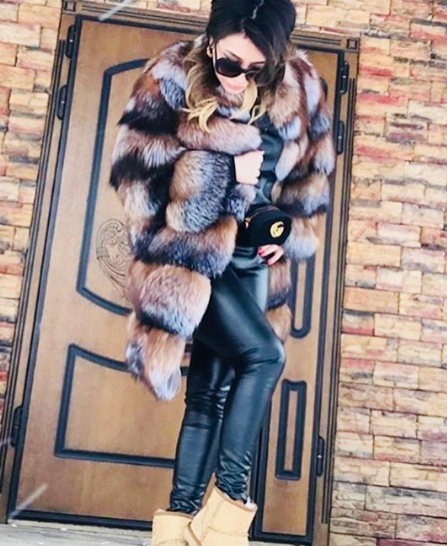Шубы из финской лисы Длинная рыже-черная шуба из финской лисы