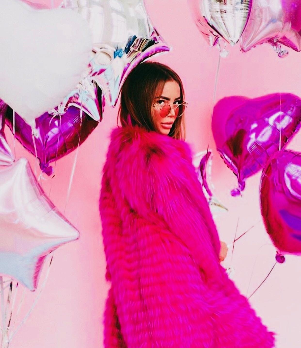 Шубы из чернобурки на кашемире Розовое пальто из чернобурки на кашемире